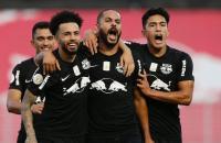 Bragantino vence lanterna Goiás e escapa da zona de rebaixamento.
