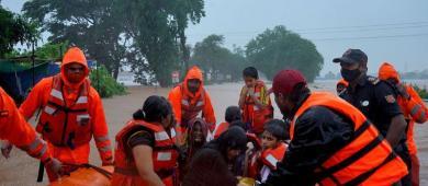 Pelo menos 67 pessoas morrem na Índia em enchentes e deslizamentos
