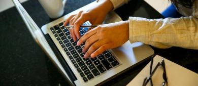 Trabalho híbrido é preferência da maioria dos brasileiros, mostra pesquisa