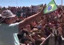 Bolsonaro é ovacionado e aclamado no Piauí.