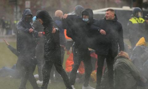 Países Baixos: protestos contra restrições terminam com 240 detidos