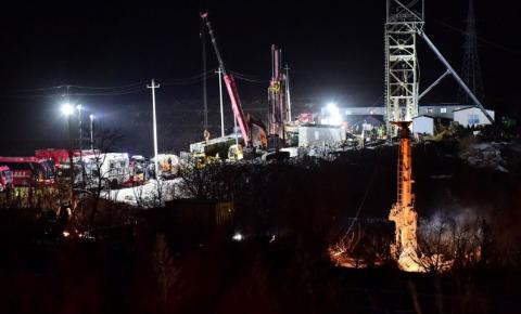 China confirma dez mortos, um desaparecido e outros resgatados em mina