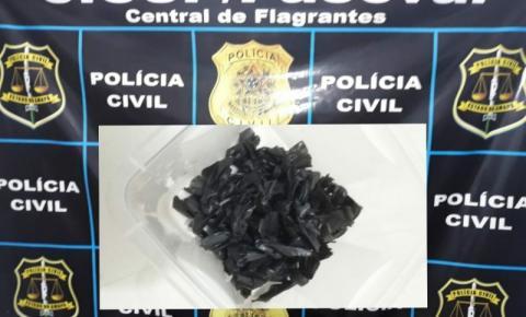 Mulher é presa em flagrante por tráfico de drogas e tentativa de estelionato em Macapá/Ap.
