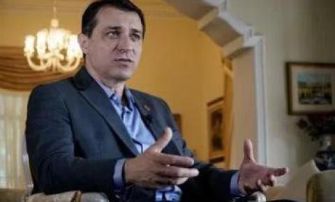 Tribunal absolve governador de Santa Catarina, que reassumirá o cargo
