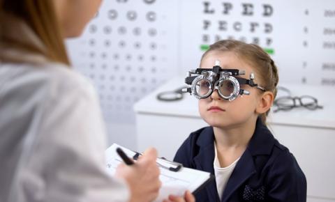 Por que é importante cuidar dos olhos desde a infância?