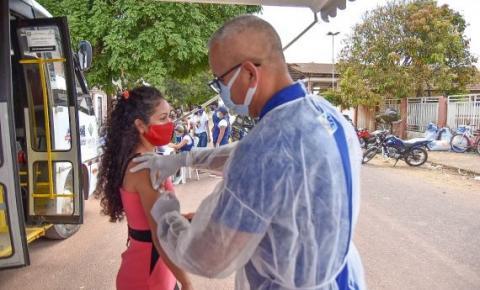 Macapá/Ap inicia vacinação contra a Covid-19 de jovens de 18 a 25 anos