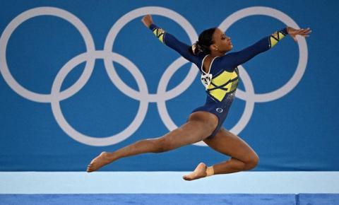 A favela Venceu! Rebeca Andrade é prata no individual.