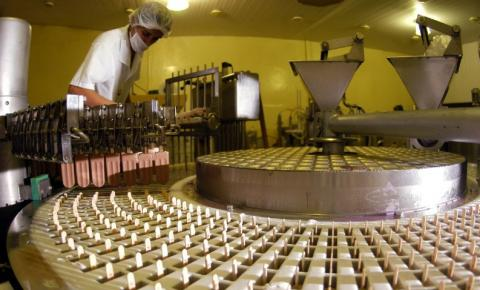 Confiança do empresário industrial fica estável em outubro, diz CNI