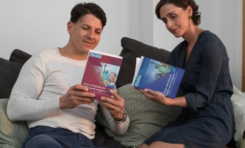 Após triplicar o número de matrículas durante a pandemia, escola de inglês distribui livros gratuitamente para todo o Brasil