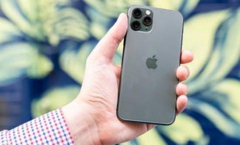 Apple oferece recompensa de até R$ 5,2 milhões para pesquisadores que encontrarem falhas no sistema de segurança.