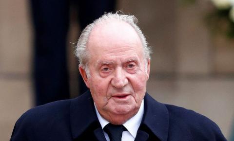Rei emérito Juan Carlos deixa Espanha em meio a investigação